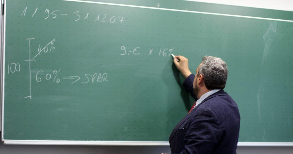 Pflicht zum Präsenzunterricht für 62jährigen Lehrer 3